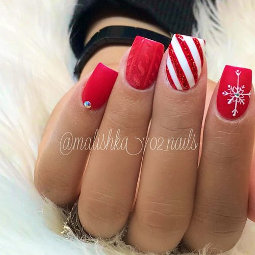 Christmas Red Nails for a Holiday Party Picture 1