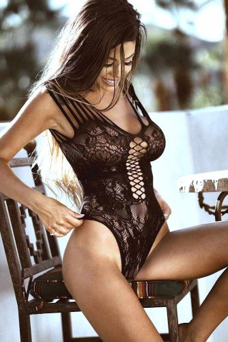 Perfect Lingerie Designs for Hourglass Body Type picture 2