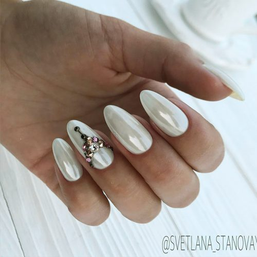 White Nails with Stones Picture 2