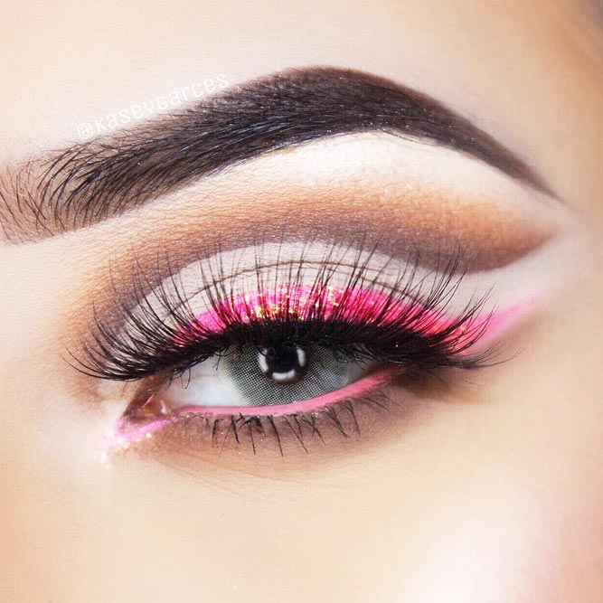 Colorful Winged Eyeliner Ideas picture 2