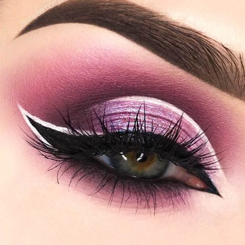 Winged Eyeliner Style for Downturned Eyes picture 3