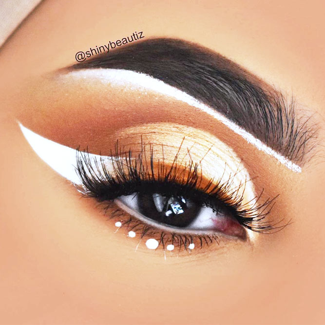 Colorful Winged Eyeliner Ideas picture 1