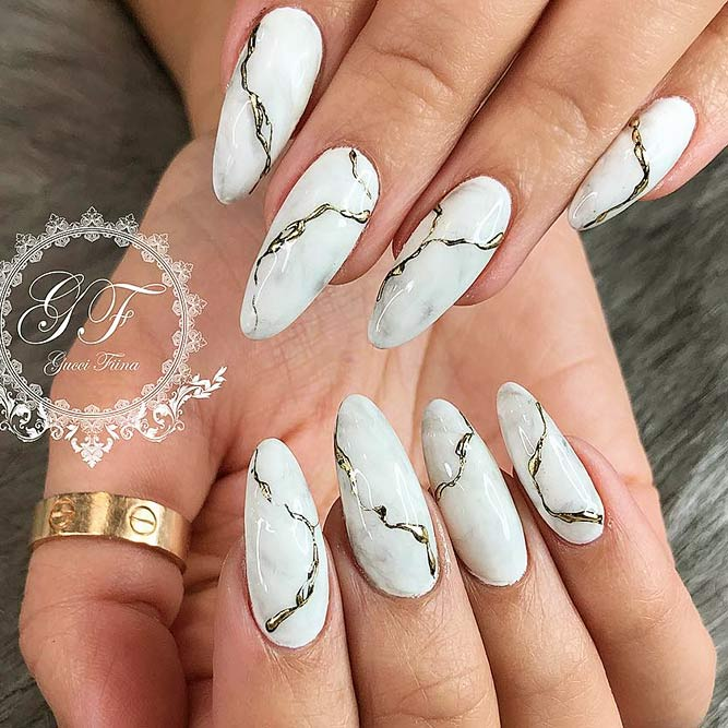 Almond Shape Acrylic Nails for Casual Look Picture 1