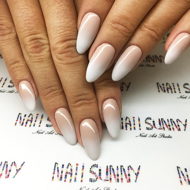 Almond Shape Acrylic Nails for Casual Look Picture 3