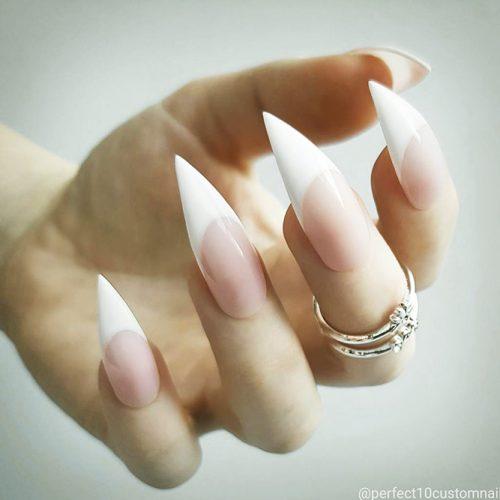Stiletto Shape Acrylic Nails Picture 4