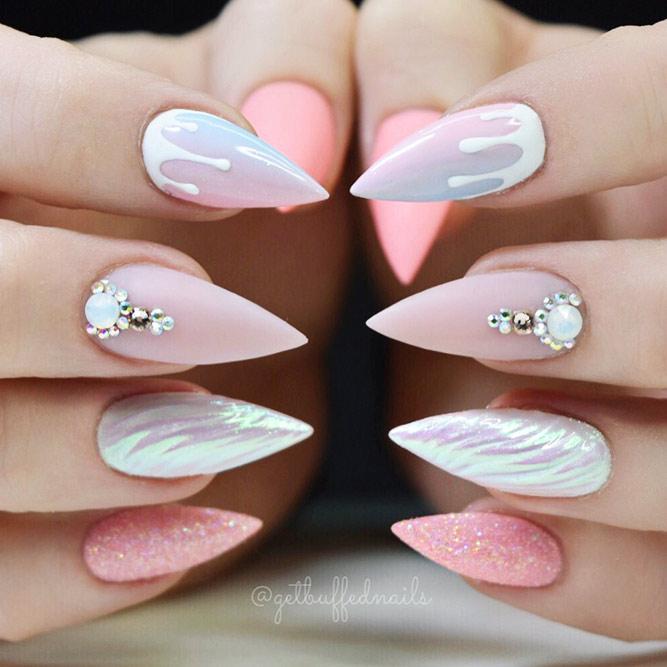 Stiletto Shape Acrylic Nails Picture 6