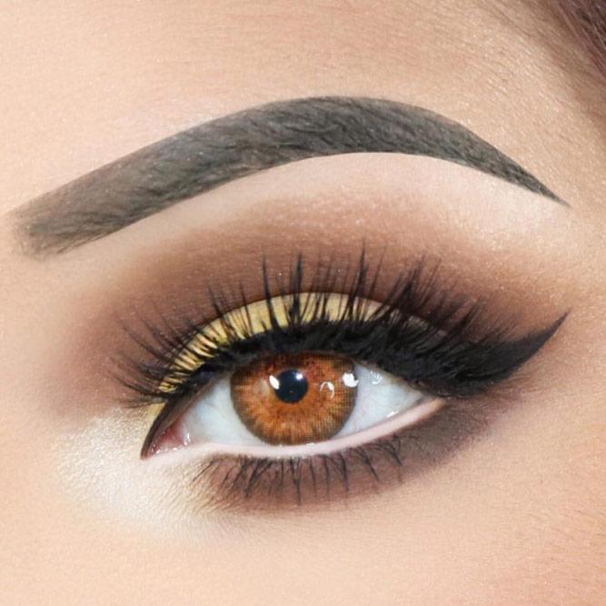 Soft Smokey Eyes With Black Eyeline #blackeyeliner #wings