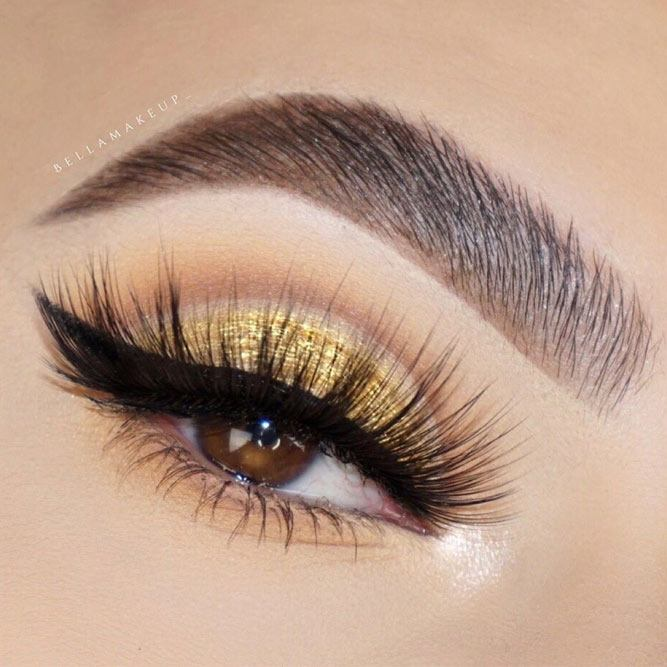 Gold Cut Crease With Classy Eyeliner #blackeyeliner