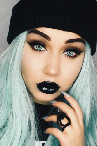 Sexy Makeup Look With Black Lipstick #cateye