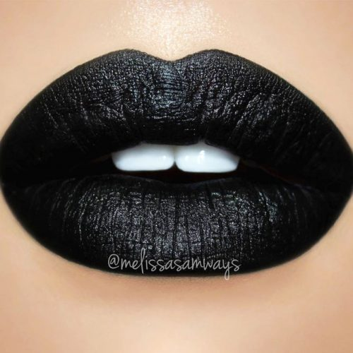 Tips On Wearing Black Lipstick picture 2