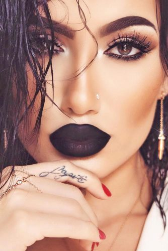 Soft Eyes with Bold Lips Makeup Looks picture 1