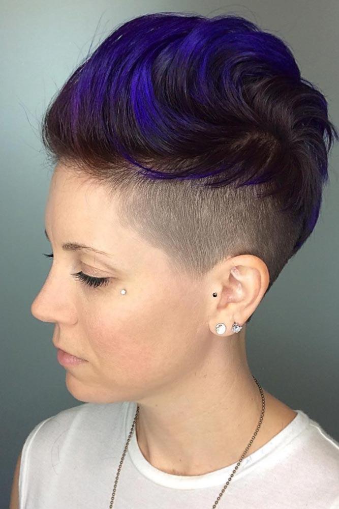Mohawk Fade Haircut Ideas In Blue Color #fadehaircutwomen #fadehaircutwomendesigns #fadehaircutwomenundercut #fadehaircutwomenmohawk #fadehaircutwomencolor