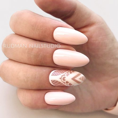 Almond Shape Gel Nails Designs With Delicate Lace #almondnails #nudenails #peachnails #lacenails