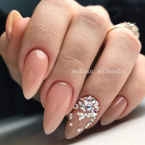 Almond Shape Gel Nails Designs With Rhinestones Accent #almondnails #nudenails #rhinestonesnails