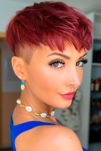 Bright Undercut For Triangular Face #undercutwomen #brighthairstyles