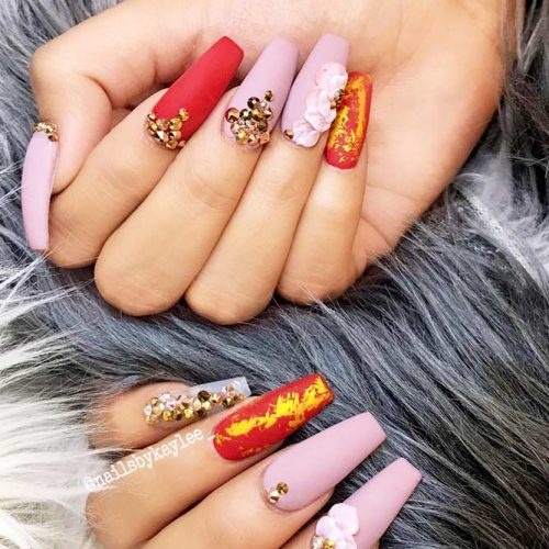 Gold Foil Nail Designs for Passionate Red Nails Picture 3
