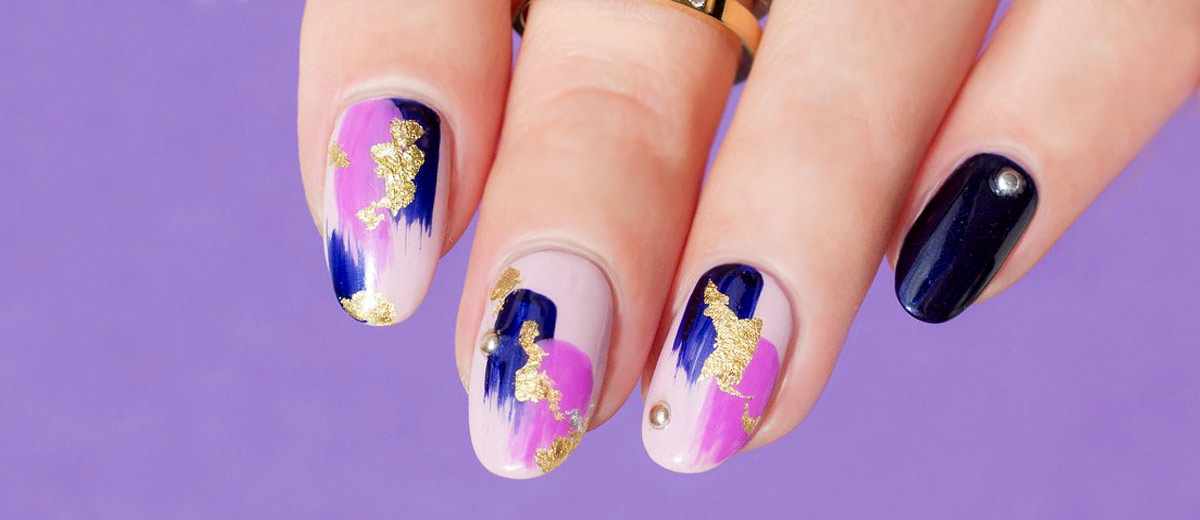 33 Stunning Gold Foil Nail Designs to Make Your Manicure Shine