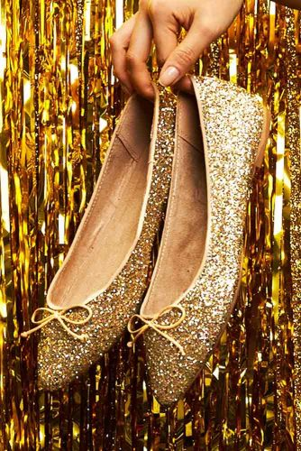 Gold Glitter Shoes Designs picture 3
