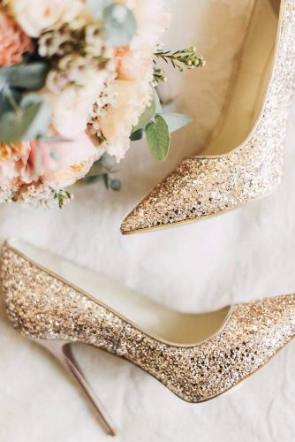 Gold Glitter Shoes Designs picture 2