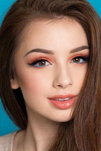 Fresh Makeup Looks In Peach Color picture 2