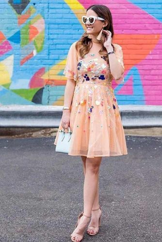 Outfit Ideas With Peach Colour Combinations picture 4