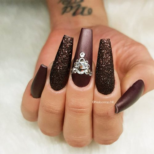 Shellac Nails Designs with Rhinestones for a Classy Look Picture 4