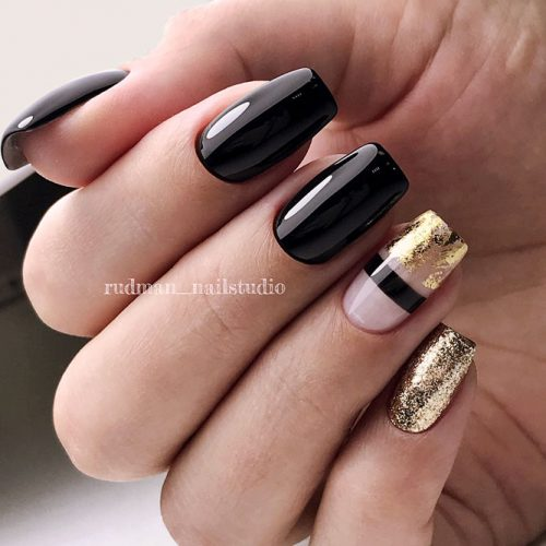 Stunning Black Shellac Nails Decorated With Gold Glitter And Foil #blacknails #glitterails #foilnails #squarenails