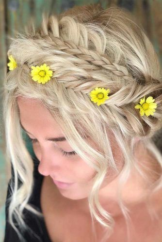 Floral Accessory For Perfect Look #bridedcrown
