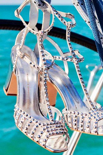 Beautiful Silver Heels For Your Perfect Look Picture 5