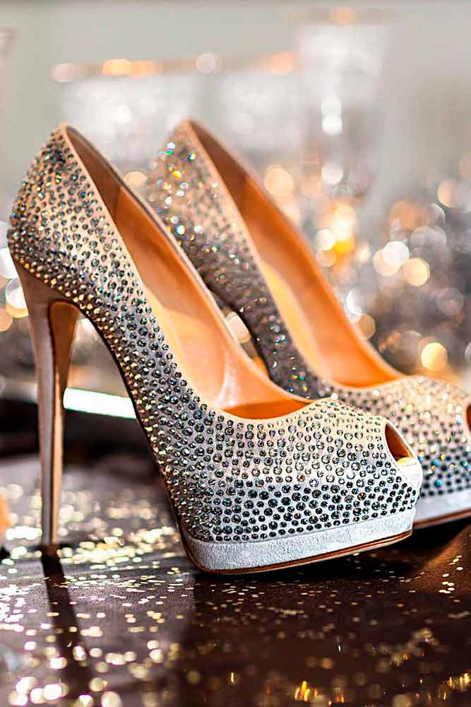 Beautiful Silver Heels For Your Perfect Look Picture 6