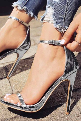 Awesome Metallic Silver Heels picture 3