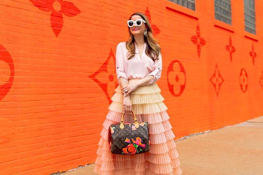 How To Make Your Life Bright With A Peach Color