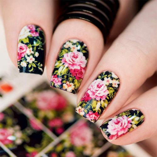 Beautiful Floral Designs for Acrylic Nails Picture 3