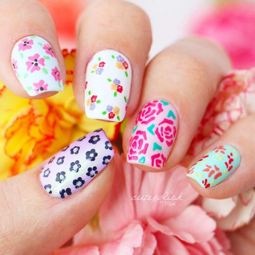 Beautiful Floral Designs for Acrylic Nails Picture 1