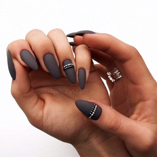 Matte Almond Shaped Nails Picture 1
