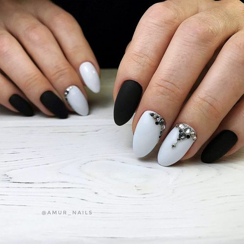 Trendy Designs With Combined Nail Colors Picture 3