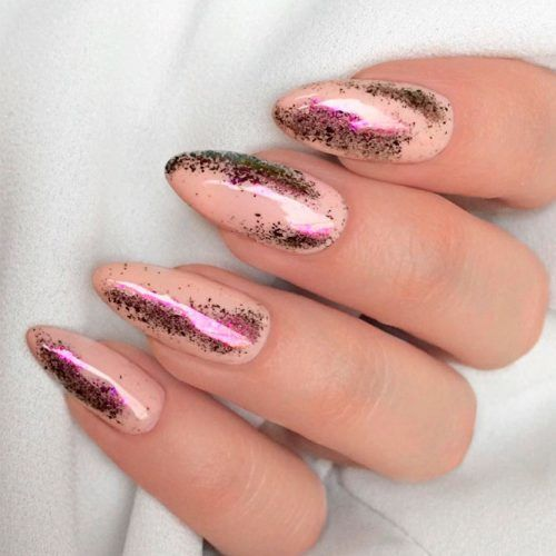 Holographic Nails Accents #holonails #nudenails