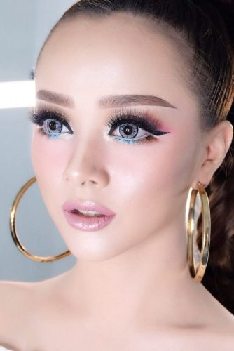 Asian Eyes Makeup Idea With Black Eyeliner #blackeyeliner