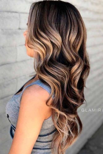 Blonde Highlights for Dark Wavy Hair #darkbrownhair #blondebalayage