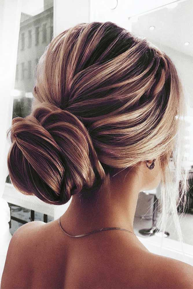 Stunning Chignon Hairstyles With a Voluminous Knot Picture 1