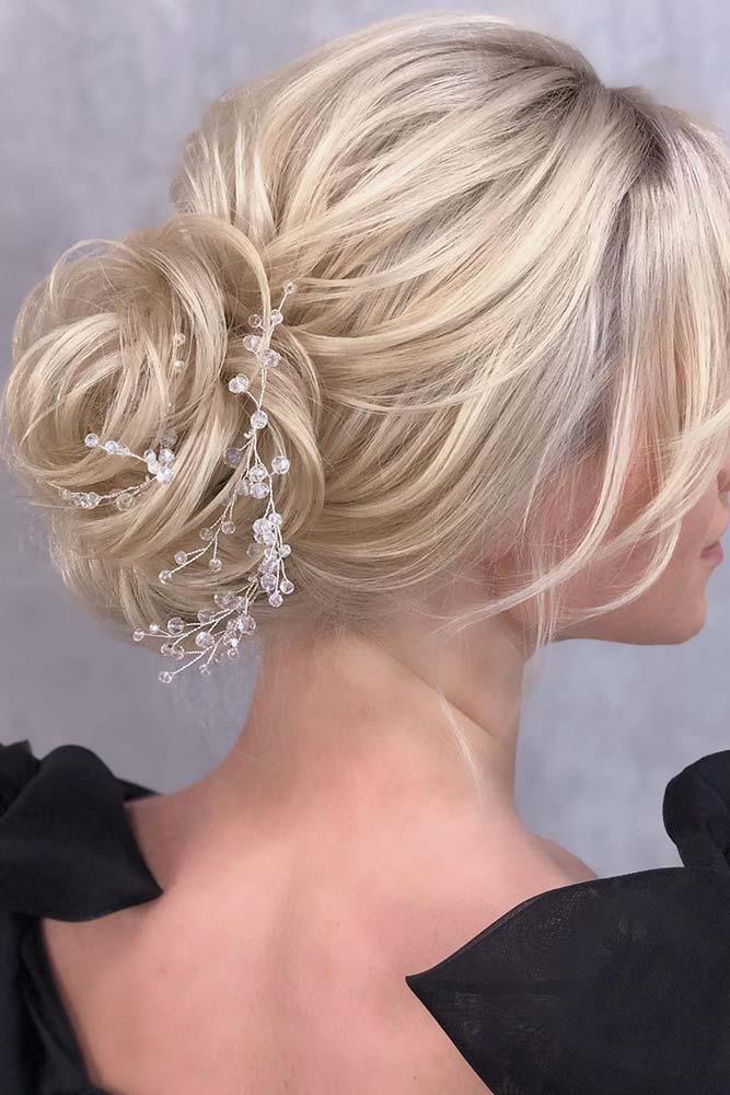 Textured Chignon With Chrystal Barrette #texturedhair #barrette