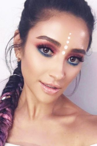 Popular Coachella Makeup Ideas picture 3