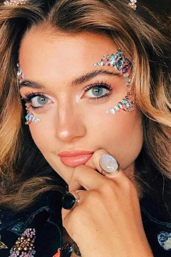 Sparkly Jewelery Festival Makeup Looks picture 5