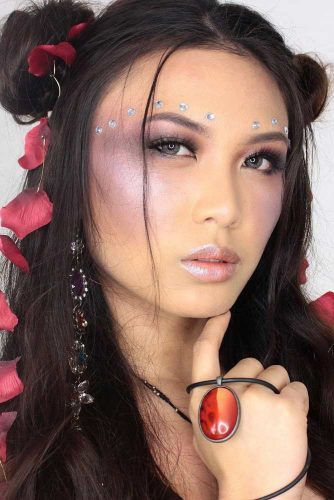 Sparkly Jewelery Festival Makeup Looks picture 4