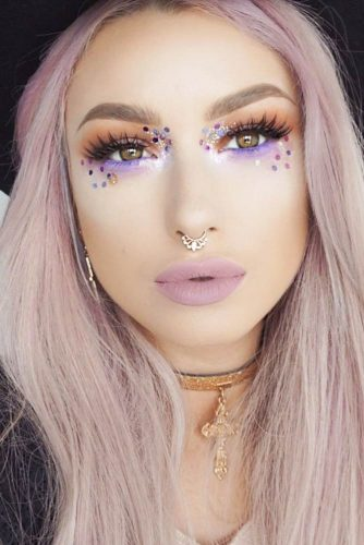 Easy Minimalistic Festival Makeup picture 1
