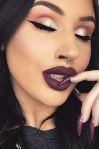 How To Change Your Jewelry In Your Septum Piercing picture 2