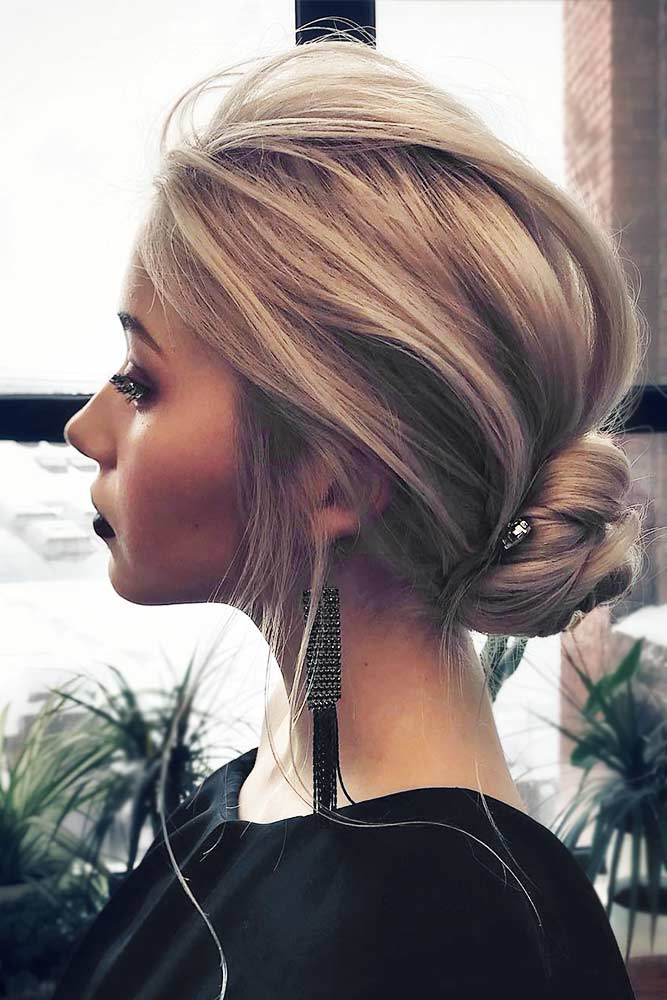 Stunning Medium Hair Updos For Romantic Mood Picture 3