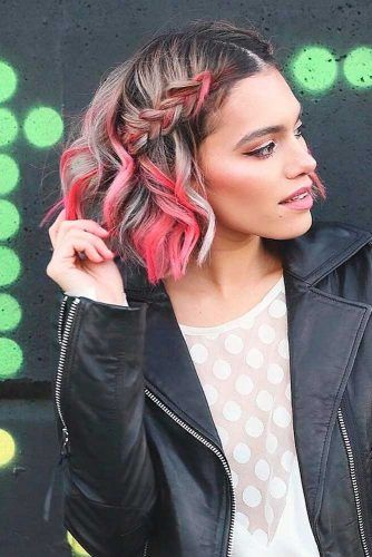 Side Braid Hal-Up For Wavy Hair #wavyhair #braidedhairstyles
