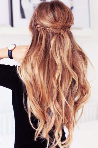 Soft Gold Blonde Shade to Make Your Hair Shine Picture 2