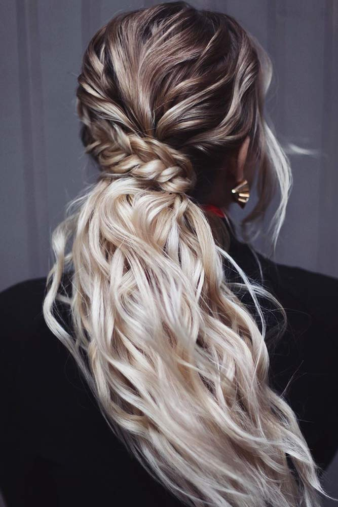 Beachy Waved Ponytail #simplehairstyles #casualhairstyles